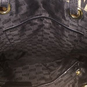 Michael Kors Bags - Michael Kors Signature Tote